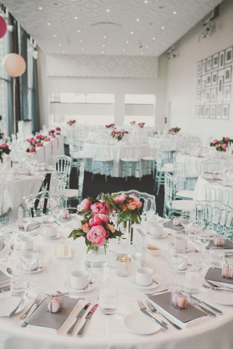 fuschia + modern city wedding - Olive Studio